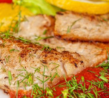 سمك مشوي بصلصةالبندورة في 10 دقيقة - وصفة 2019