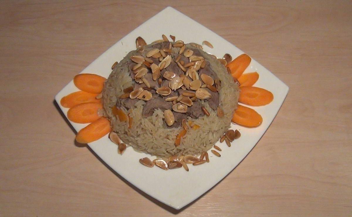 ارز بالجزر مع لحم الموزات في 15 دقيقة - وصفة 2019