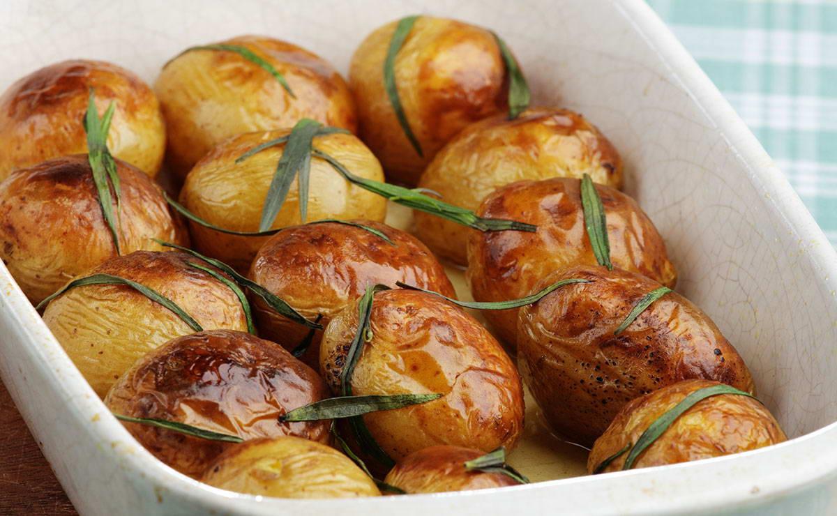 البطاطس المشوية بالطرخون في 30 دقيقة - وصفة 2021