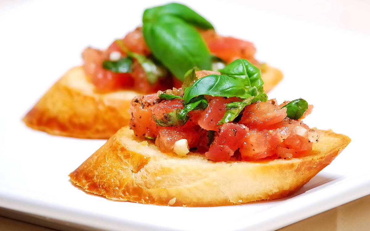 طريقة عمل بروسكيتا الطماطم في 10 دقيقة - وصفة 2021