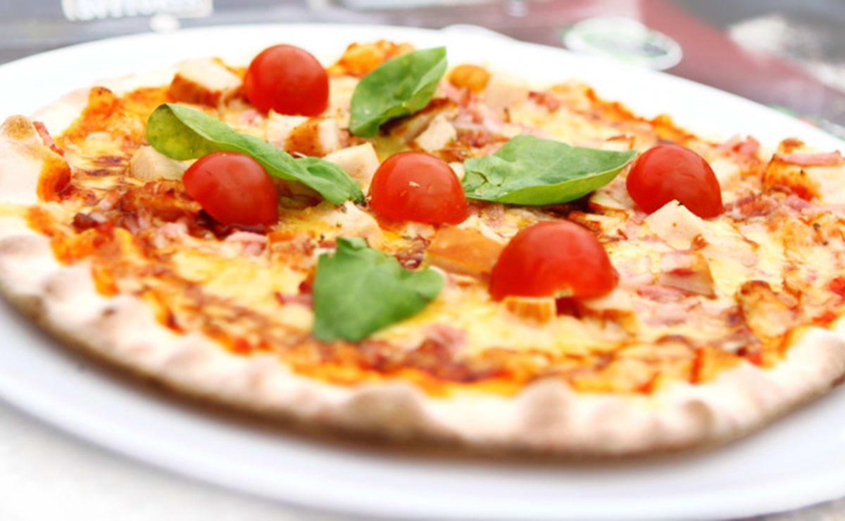 طريقة عمل بيتزا البندورة الكرزية والفطر في 30 دقيقة - وصفة 2020