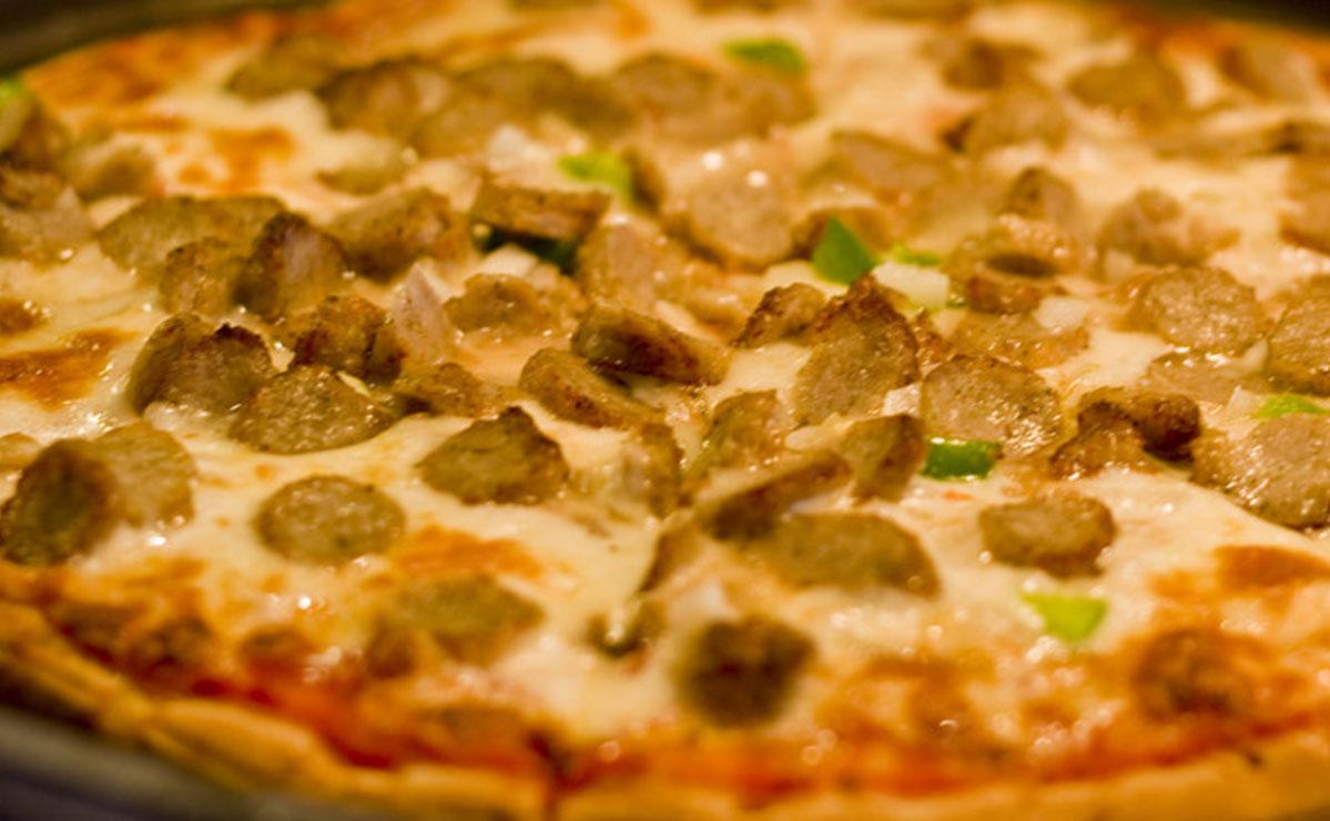 طريقة عمل بيتزا السجق في 30 دقيقة - وصفة 2019