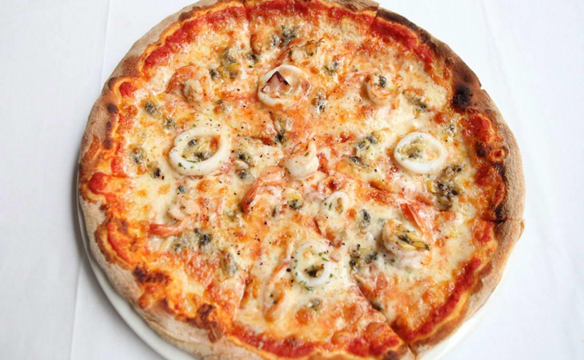 طريقة عمل بيتزا الكالامار في 30 دقيقة - وصفة 2021