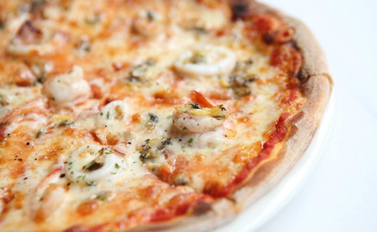 طريقة عمل بيتزا ثمار البحر في 30 دقيقة - وصفة 2020