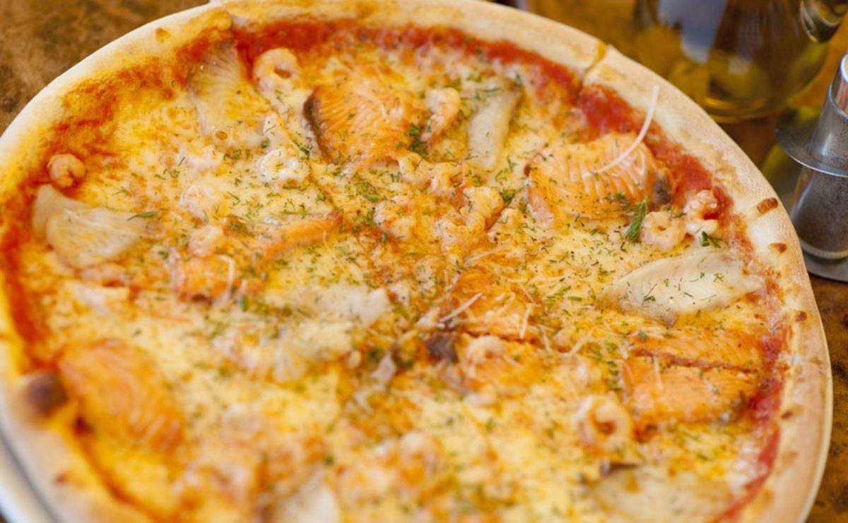 طريقة عمل بيتزا السمك في 30 دقيقة - وصفة 2020