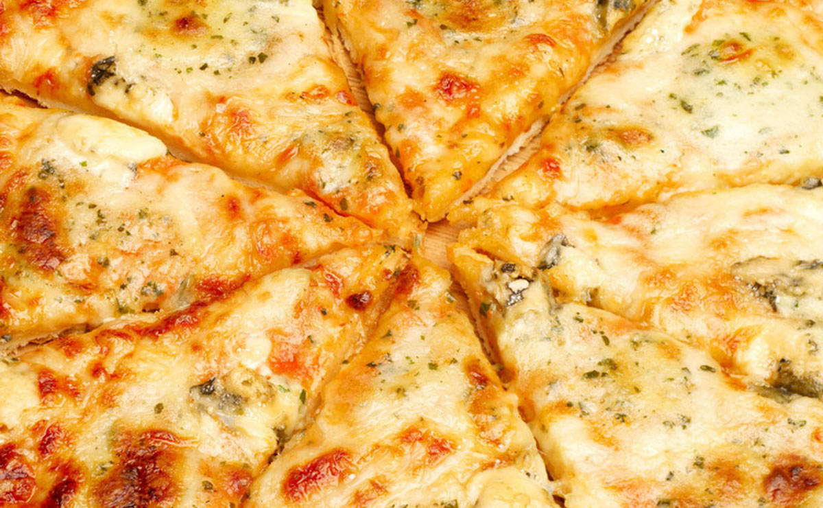 طريقة عمل بيتزا كواترو فورماج في 30 دقيقة - وصفة 2020