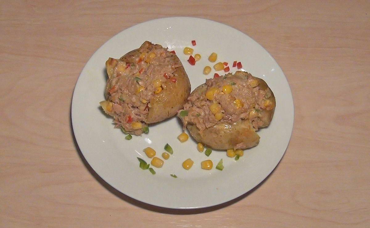 بطاطس محشية بالتونة في 15 دقيقة - وصفة 2020
