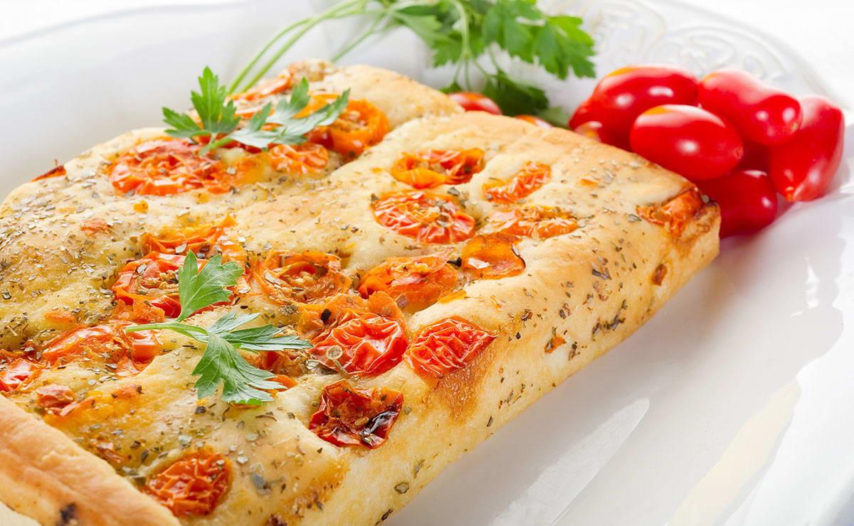 خبز الفوكاشيا مع البندورة في  - وصفة 2019