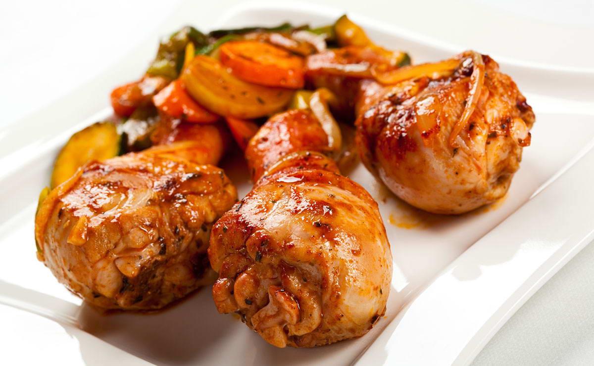 دبابيس الدجاج المشوية بصلصة البلسمي في 20 دقيقة - وصفة 2018