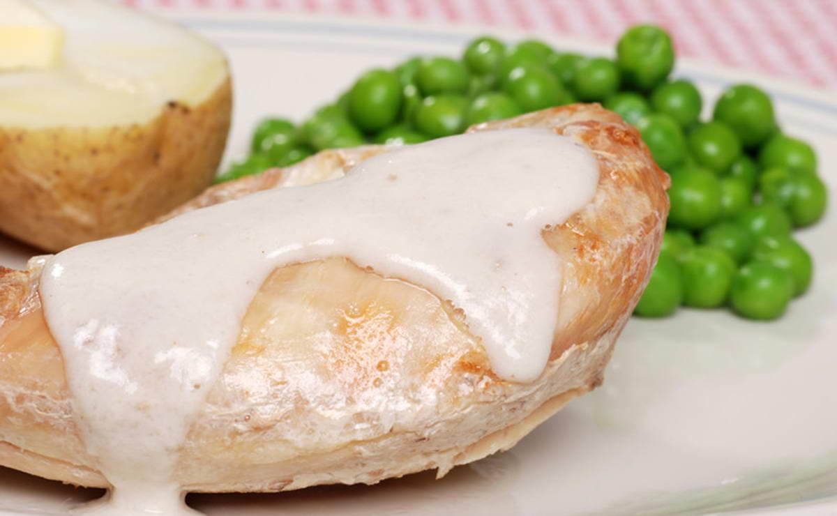 ستيك الدجاج بالكريما والخضار في 15 دقيقة - وصفة 2021