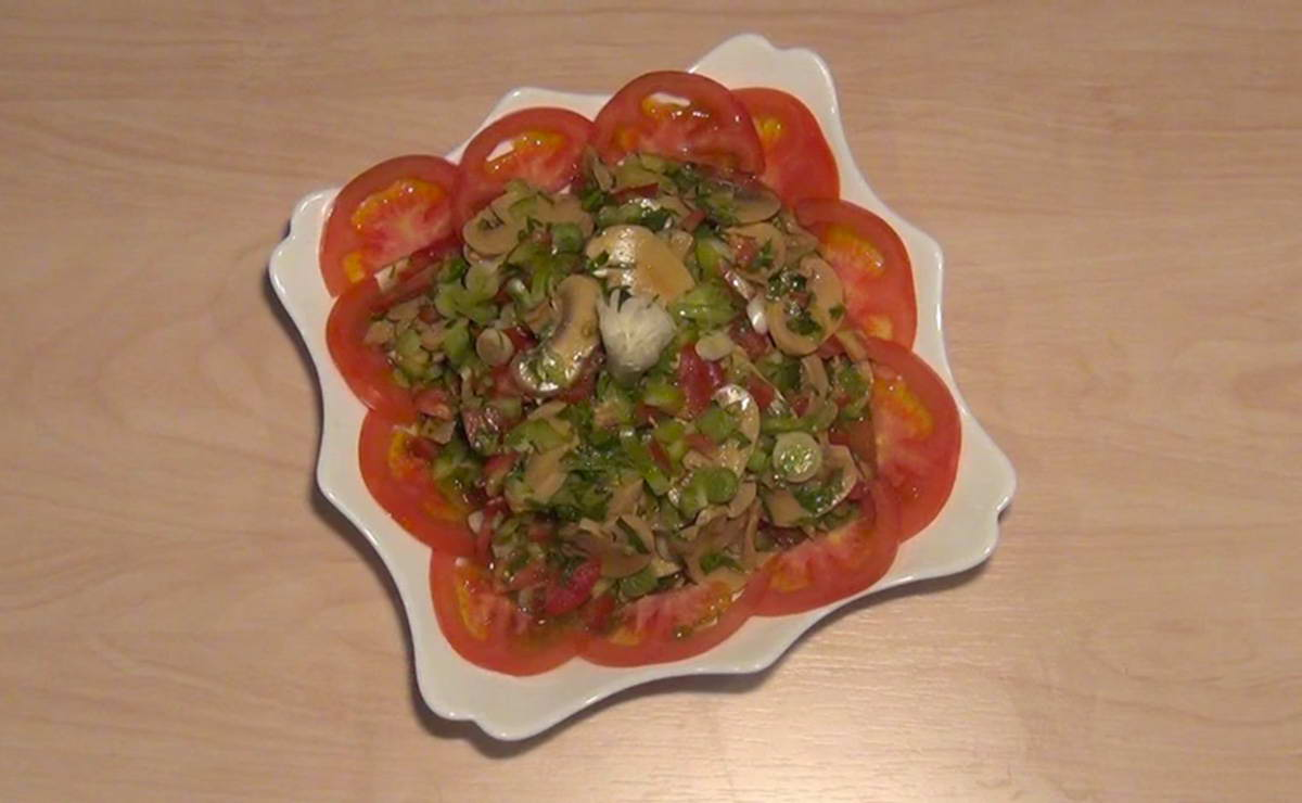 طريقة عمل سلطة الفطر والطماطم في 10 دقيقة - وصفة 2019