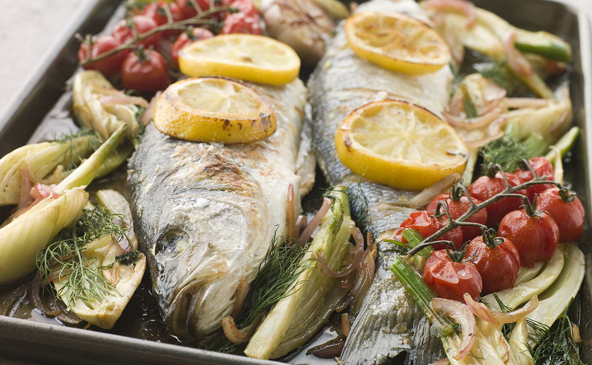 سمك مشوي بالأعشاب في 20 دقيقة - وصفة 2020