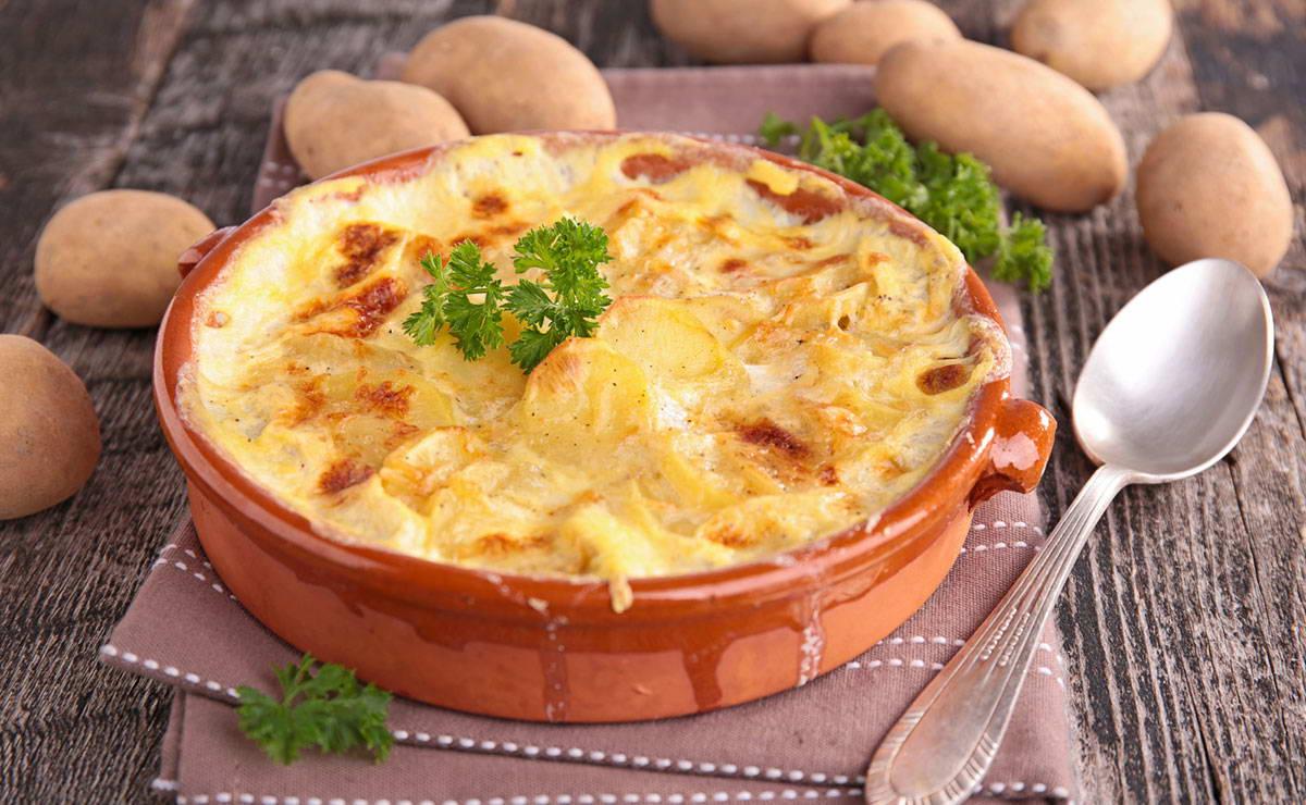 البطاطس المشوية بالبصل في 20 دقيقة - وصفة 2020