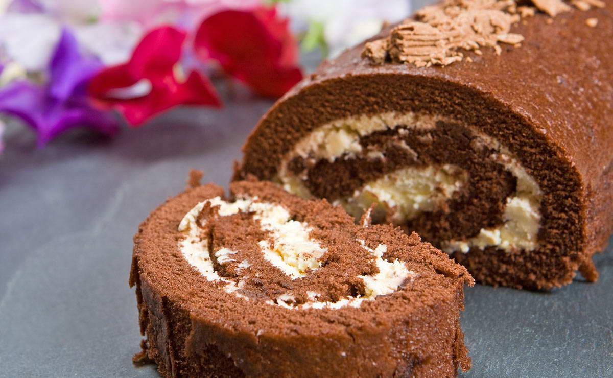 طريقة عمل سويسرولبالشوكولاتة في 30 دقيقة - وصفة 2020