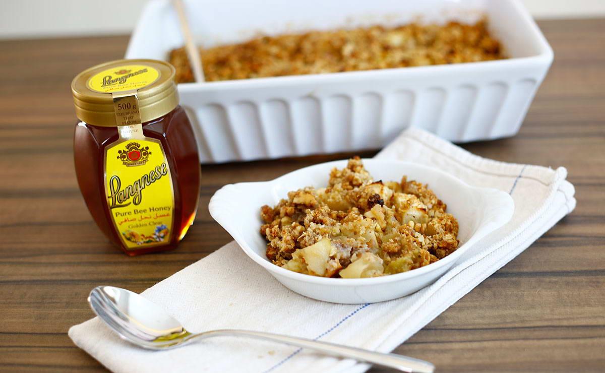 طريقة عمل كرامبل التفاح بالعسل في 10 دقيقة - وصفة 2020