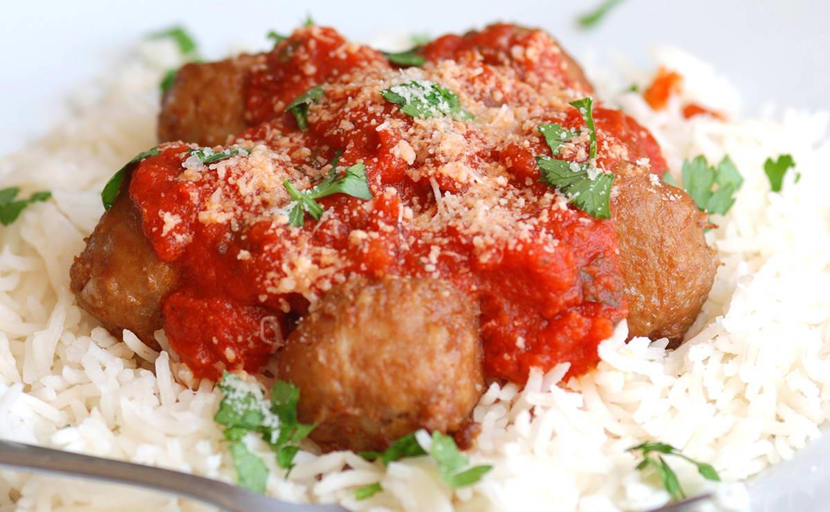 كرات اللحم بصلصة البندورة الحارّة في 20 دقيقة - وصفة 2021